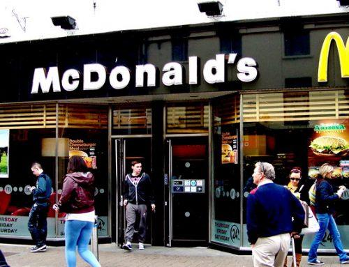 Derecho a la imagen: la justicia condenó a la empresa McDonald's por usar la imagen de un empleado en una publicidad sin su consentimiento.