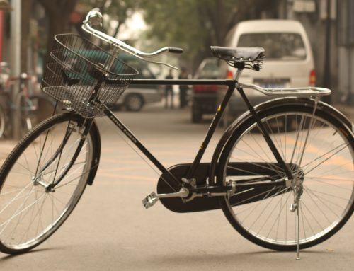 Accidentes de tránsito: responsabilidad concurrente del ciclista por maniobras imprudentes